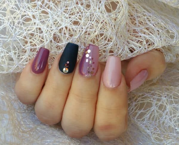 juliana_nails_gel_lack_Brombeere