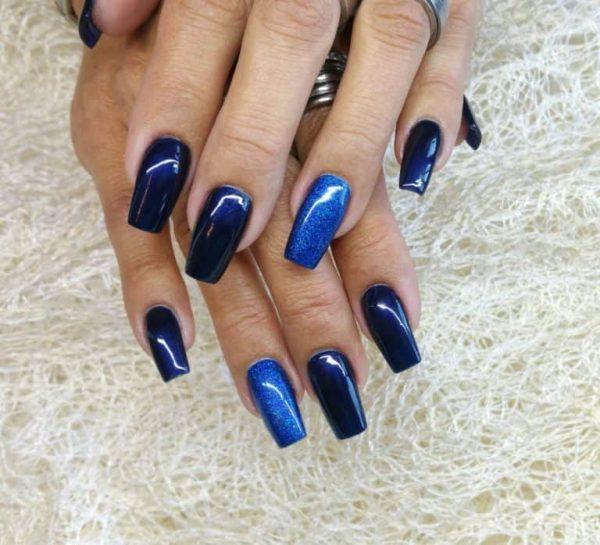 juliana_nails_gel_lack_Mitternachtsblau